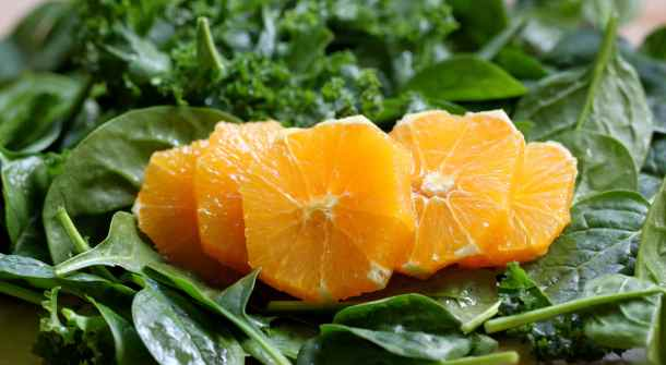 Orange and Spinach Smoothie for Breast Cancer Prevention