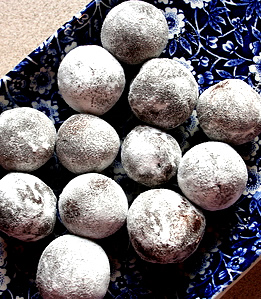Vegan Christmas Truffles Courtesy of SheKnows.com