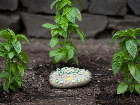 Make Inexpensive Garden Markers