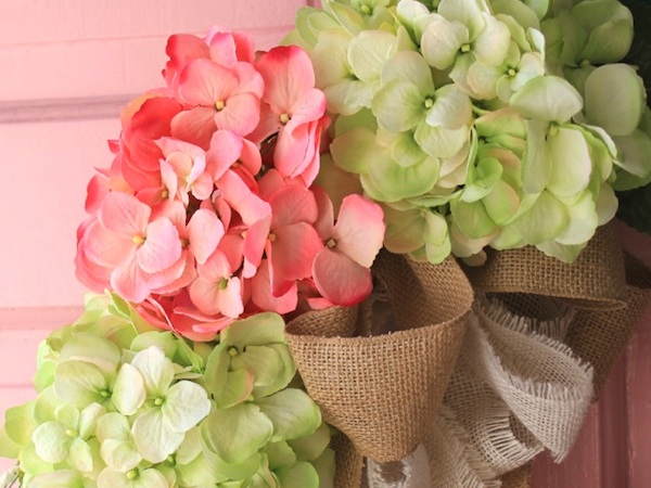 Learn How To Make A Hydrangea Wreath At http://www.craftsalamode.com/2015/01/charming-hydrangea-wreath-diy.html