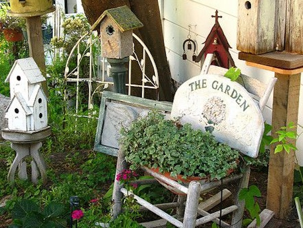 Awesome Breast Cancer Garden Bird Houses