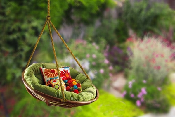 Cozy Reading Swing For Healing Garden