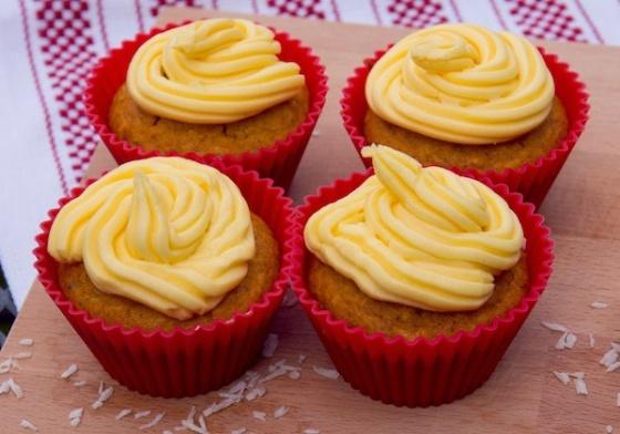 Sugar-Free Mango-Filled Vegan Cupcakes Recipe