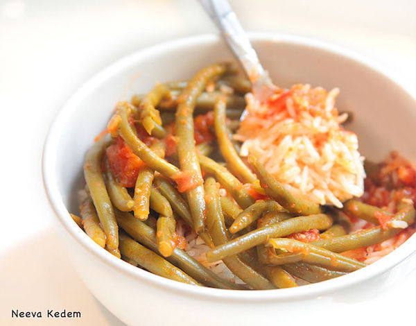 green-beans-with-tomato-sauce